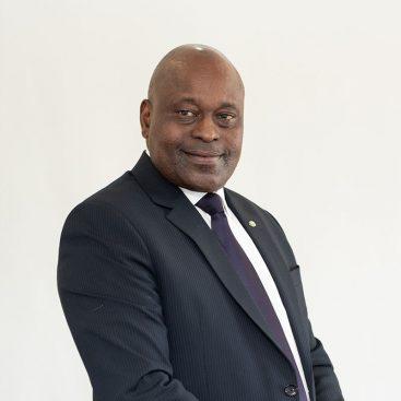 Oswin Kasunda-Board Member